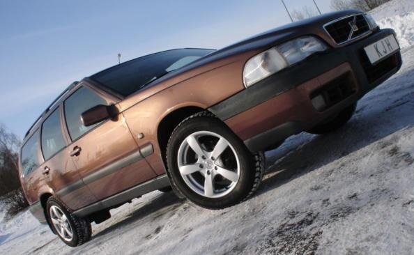 1997-2000-volvo-v70xc-014