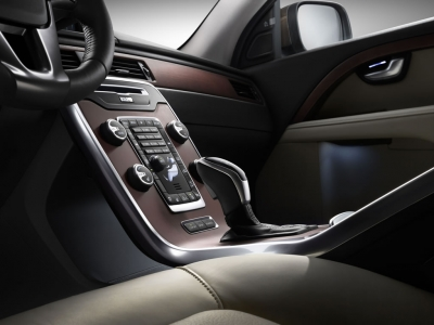 2014-volvo-xc70-interior
